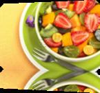 Vign_9462720-salade-de-fruits-frais-et-sains-a-la-fraise-kiwi-raisin-la-mangue-et-physalis-dans-un-bol-avec-une-f